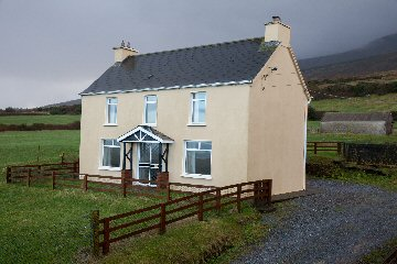 Self-Catering, holiday accommodation, B&B, Dingle, Dingle Peninsula, surfing, Castlegregory, Kerry